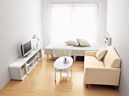 新しい家具を置いた新生活を始める部屋